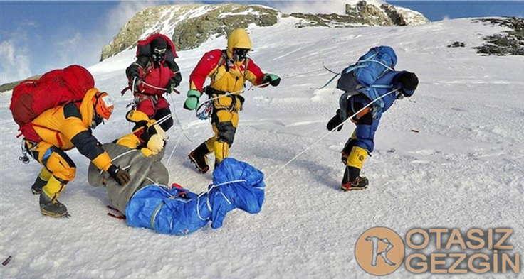 Dunyanin En Buyuk Mezarligi Everest Dagi