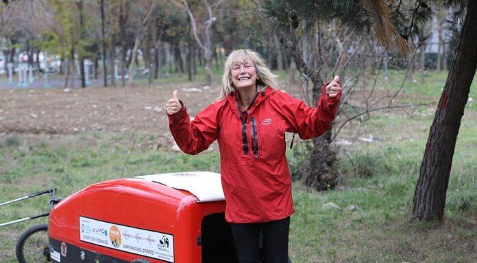 İngiltereden-Nepale-Yürüyen-72-yaşındaki-gezgin