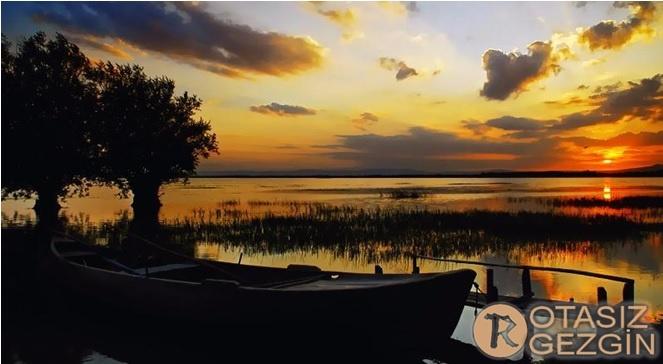 Denizli Çivril Işıklı Göleti Kamp Yeri