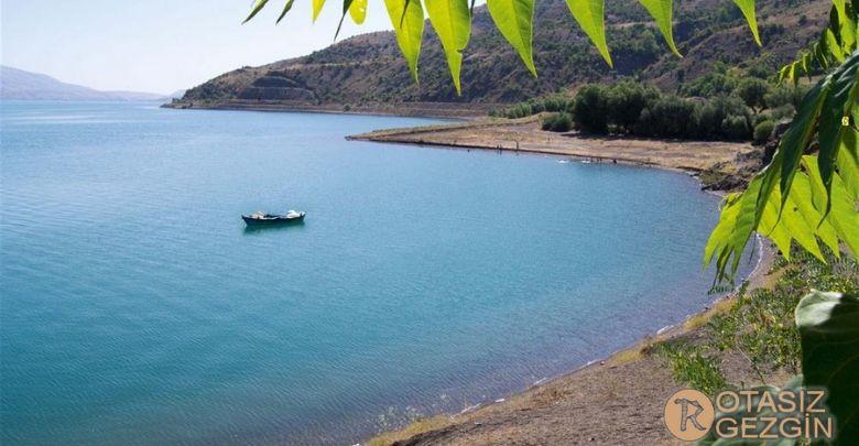 1- Elazığ Sivrice Hazar Gölü Kamp Alanı